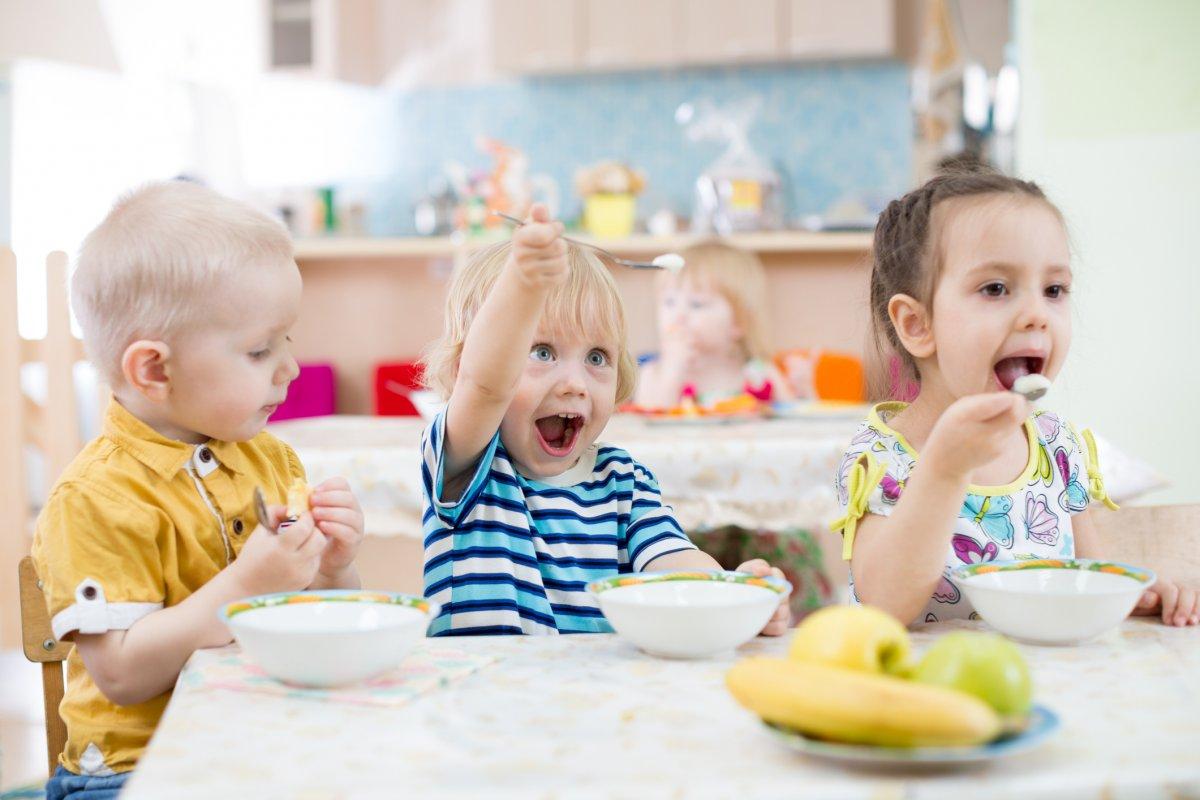 Spożywanie posiłków w żłobku