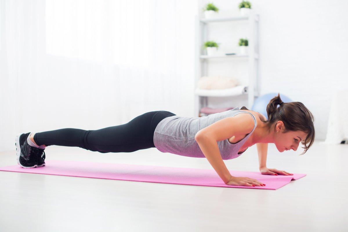 Pompki - idealne ćwiczenie na mocne ręce