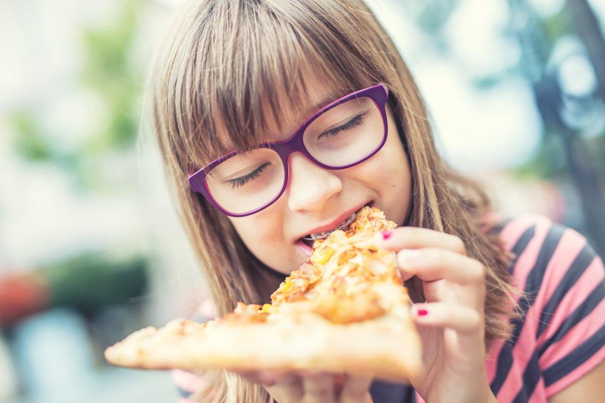 Ojciec postanawia zmienić niezdrową dietę dziewczynki